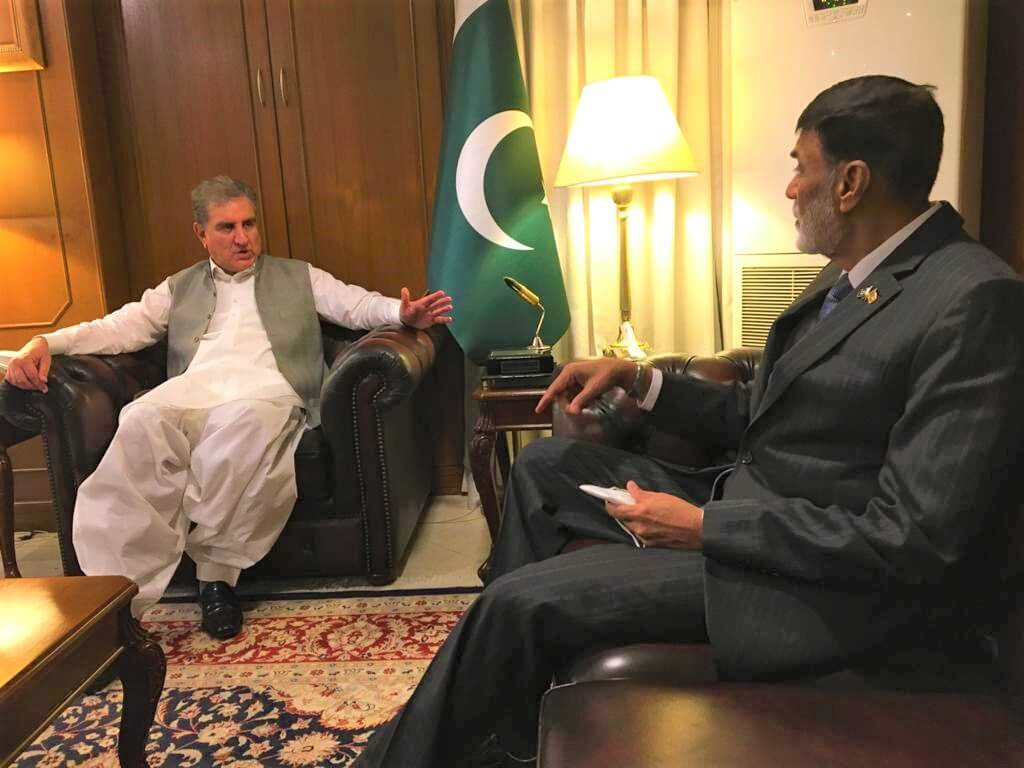 High Commissioner of Sri Lanka in Islamabad paid a courtesy call on Hon. Shah Mehmood Qureshi, Foreign Minister of Pakistan